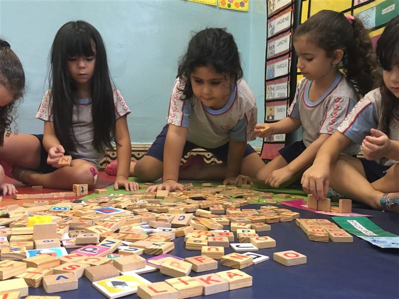 O papel das brincadeiras e jogos infantis